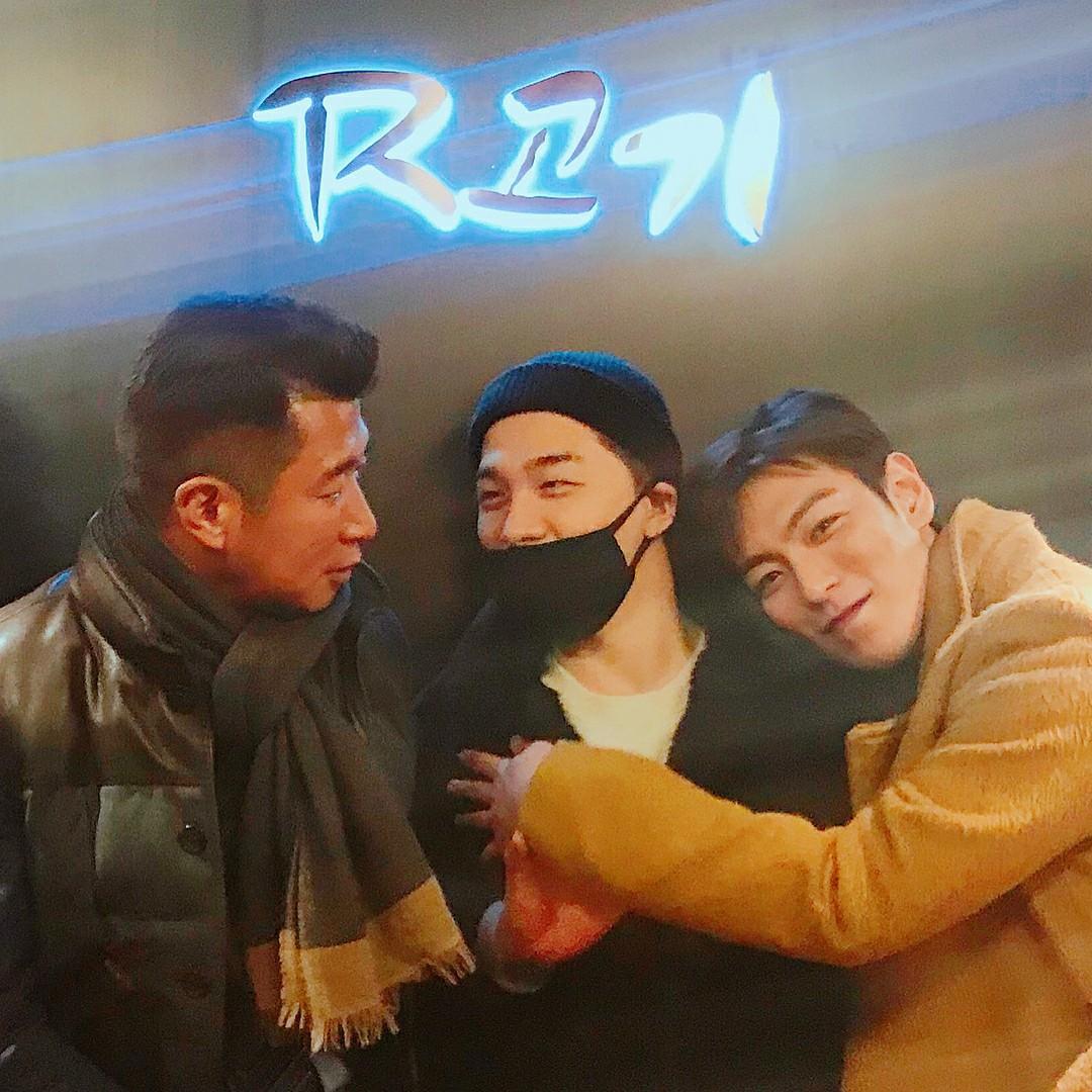Phát khóc trước bức ảnh hiếm hoi: 5 thành viên Big Bang tụ họp như một gia đình trước ngày G-Dragon nhập ngũ - Ảnh 5.
