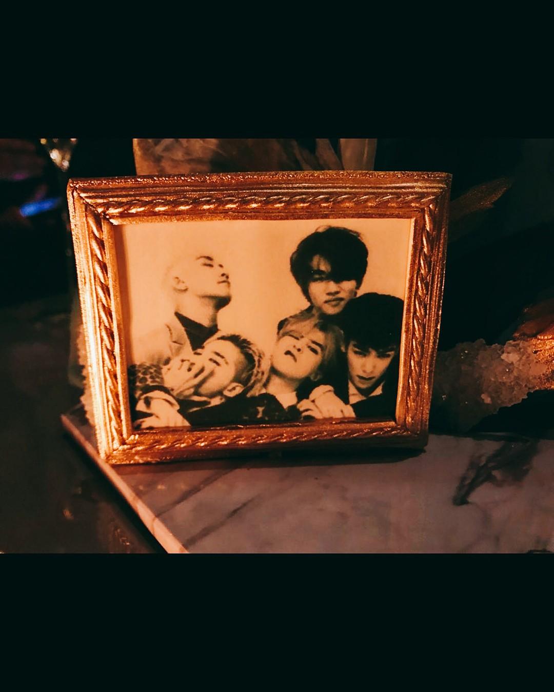 Phát khóc trước bức ảnh hiếm hoi: 5 thành viên Big Bang tụ họp như một gia đình trước ngày G-Dragon nhập ngũ - Ảnh 2.