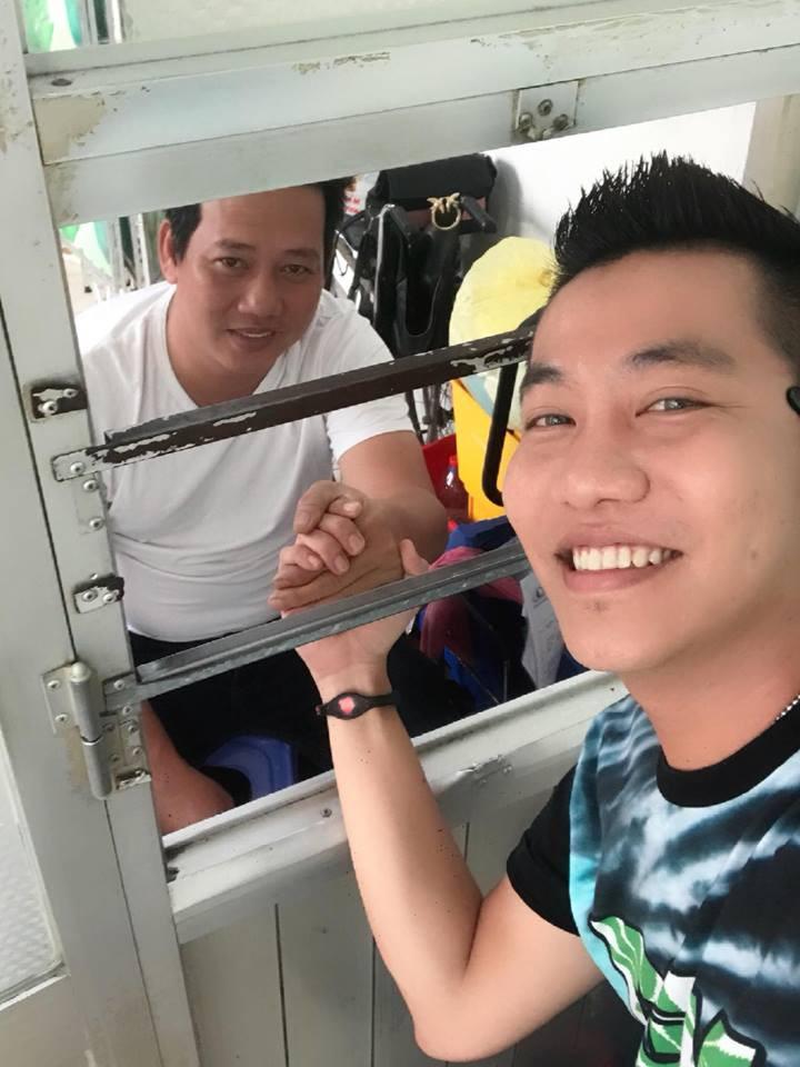 Danh hài Lê Nam đã qua cơn nguy kịch, được xuất viện về nhà sau khi bị đột quỵ vào tối mùng 6 Tết - Ảnh 1.