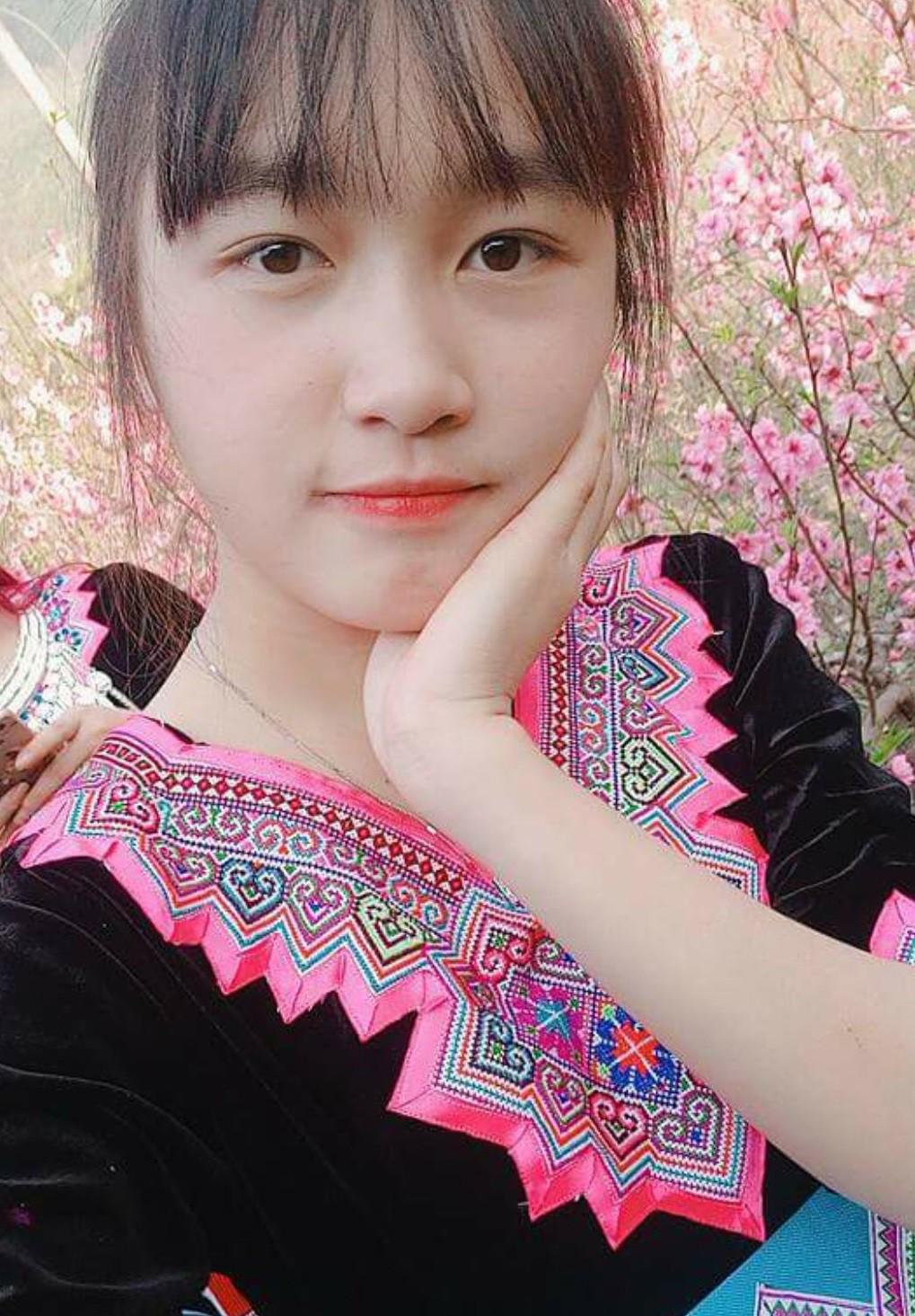 Cộng đồng mạng truy tìm tung tích cô gái xinh đẹp bán cơm lam gây sốt tại Sapa