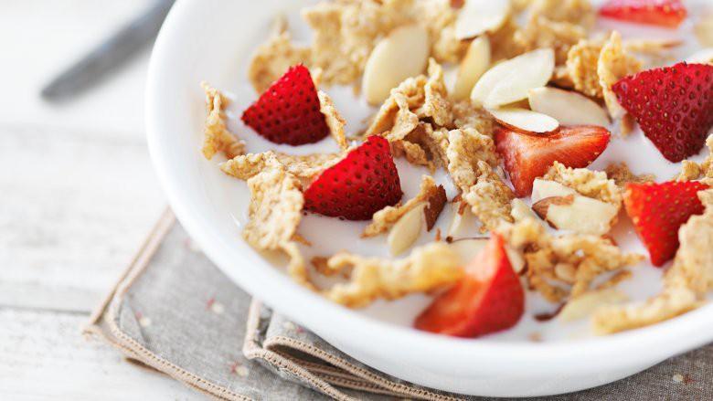 Bữa sáng hoàn hảo giúp da đẹp, dáng thon từ các huấn luyện viên yoga trên thế giới - Ảnh 7.