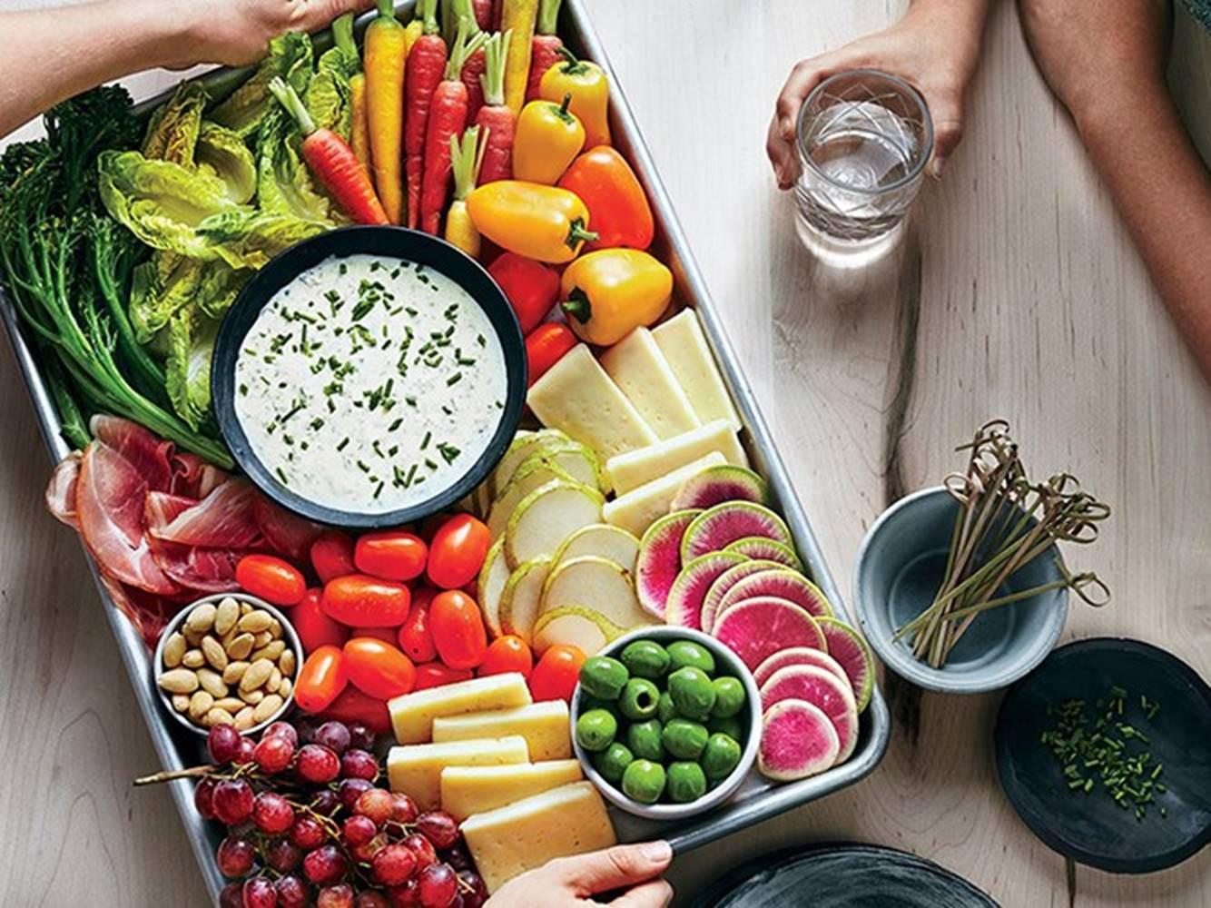 2018 rồi, muốn giảm cân hãy ăn chất lượng hơn chứ không phải ít hơn và đây là lí do - Ảnh 1.