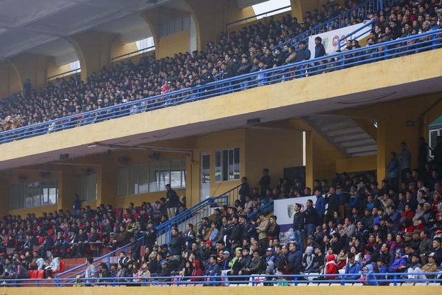 Báo châu Á thúc giục khán giả Việt Nam đến sân xem V.League - Ảnh 2.