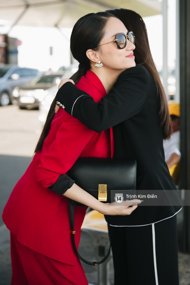 Hương Giang diện nguyên cây đồ đỏ rực, mang theo 105 kg trang phục đi chinh chiến Hoa hậu Chuyển giới Quốc tế - Ảnh 14.