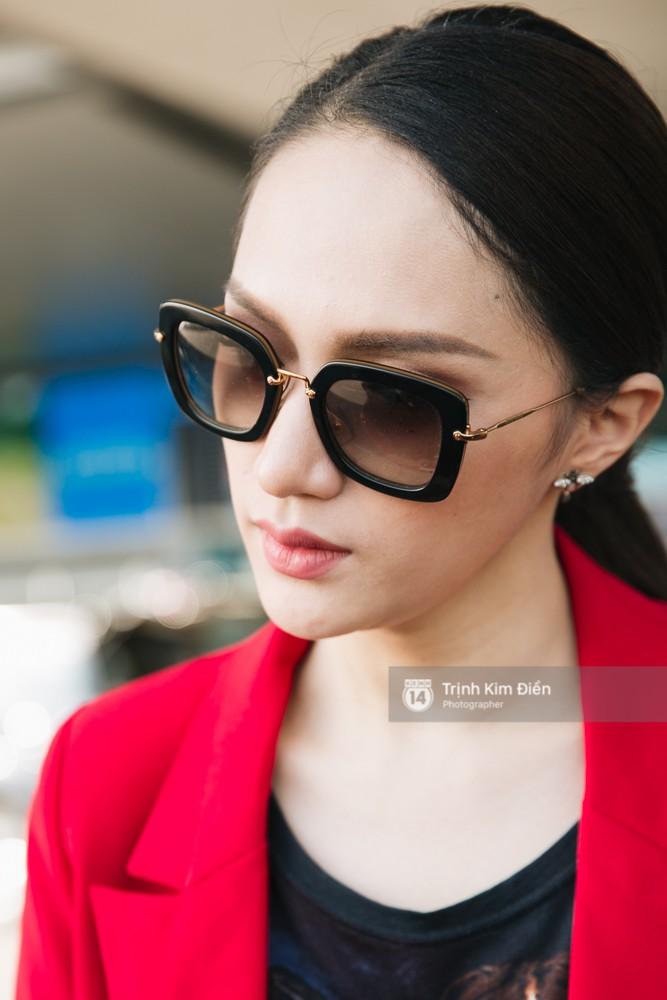 Hương Giang diện nguyên cây đồ đỏ rực, mang theo 105 kg trang phục đi chinh chiến Hoa hậu Chuyển giới Quốc tế - Ảnh 16.