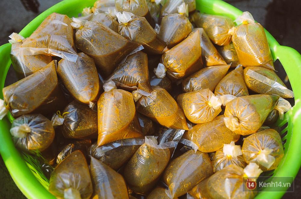 Hàng chục tấn cá lóc giá 150.000 đồng/con được tiêu thụ trong ngày Thần tài ở Sài Gòn - Ảnh 14.
