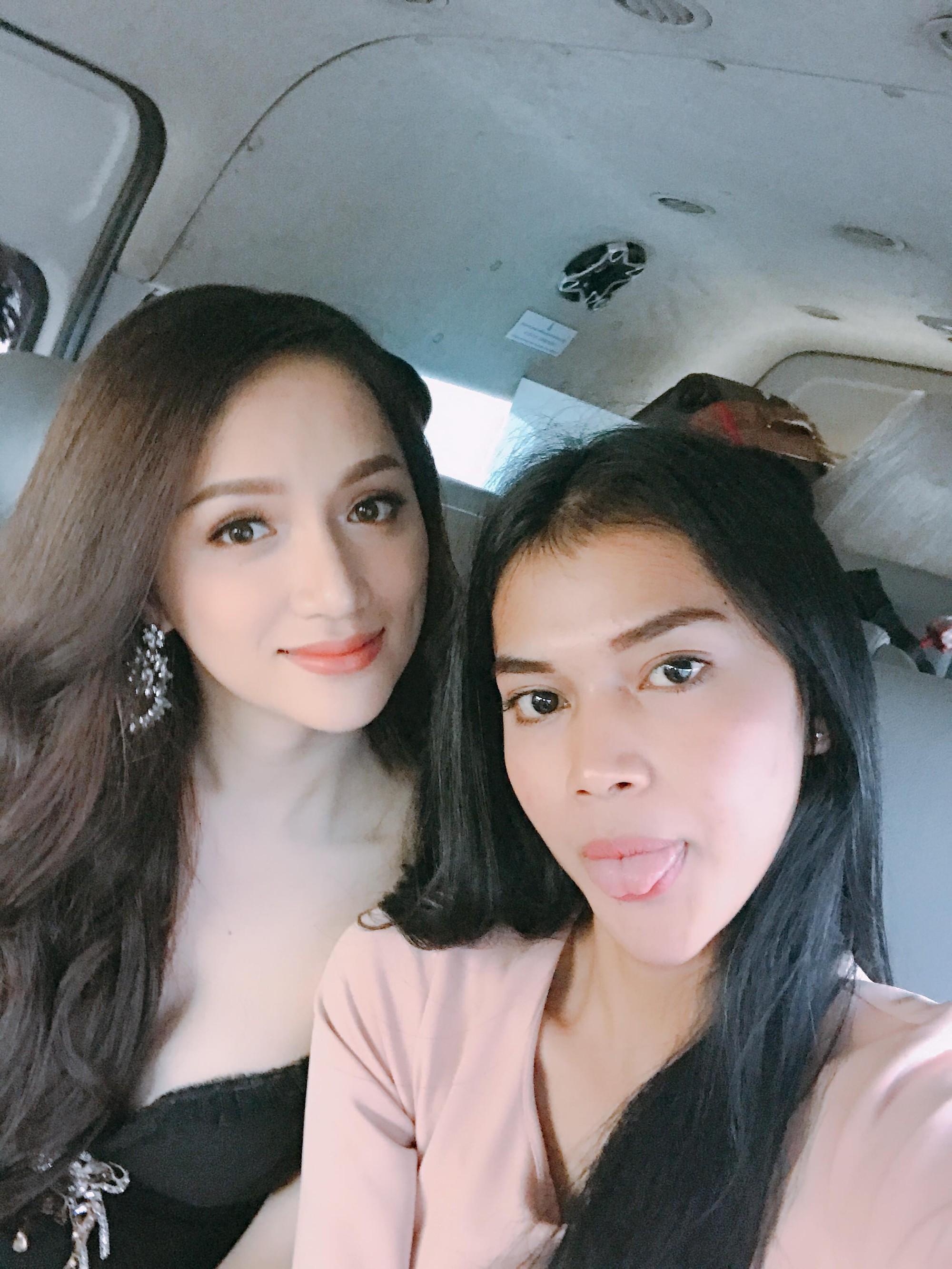 Vừa có mặt tham dự Hoa hậu Chuyển giới Quốc tế, Hương Giang đã xuất hiện nổi bật trên báo Thái - Ảnh 2.