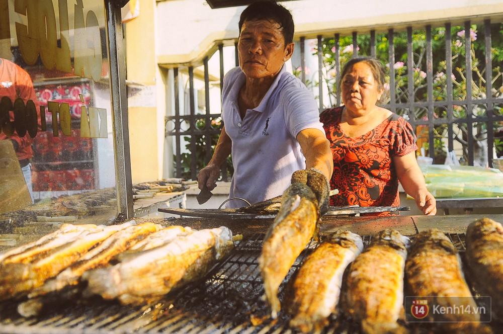 Hàng chục tấn cá lóc giá 150.000 đồng/con được tiêu thụ trong ngày Thần tài ở Sài Gòn - Ảnh 6.