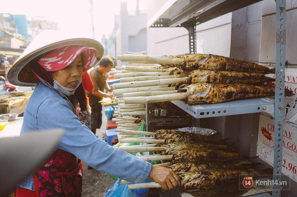 Hàng chục tấn cá lóc giá 150.000 đồng/con được tiêu thụ trong ngày Thần tài ở Sài Gòn - Ảnh 10.