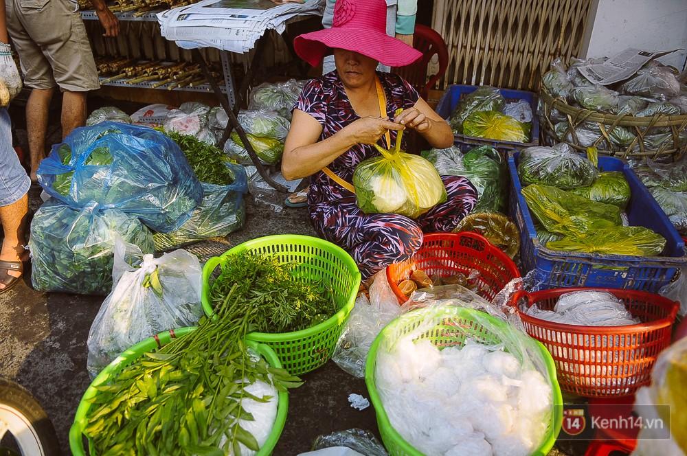 Hàng chục tấn cá lóc giá 150.000 đồng/con được tiêu thụ trong ngày Thần tài ở Sài Gòn - Ảnh 15.