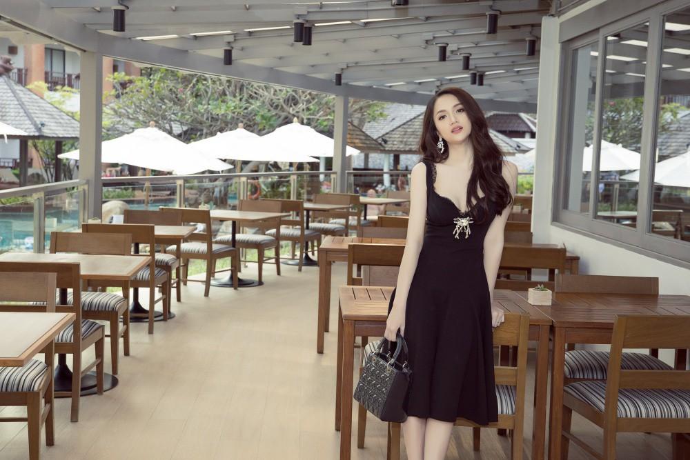 Vừa có mặt tham dự Hoa hậu Chuyển giới Quốc tế, Hương Giang đã xuất hiện nổi bật trên báo Thái - Ảnh 6.