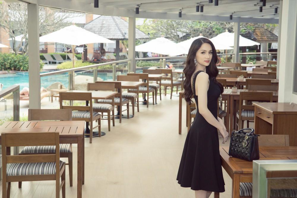 Vừa có mặt tham dự Hoa hậu Chuyển giới Quốc tế, Hương Giang đã xuất hiện nổi bật trên báo Thái - Ảnh 8.