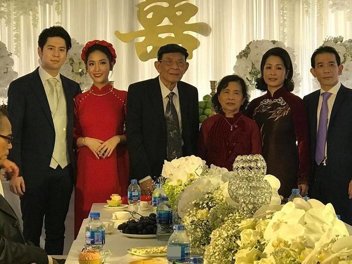 Lộ ảnh Mai Hồ bí mật tổ chức lễ đính hôn với người yêu cực điển trai - Ảnh 1.