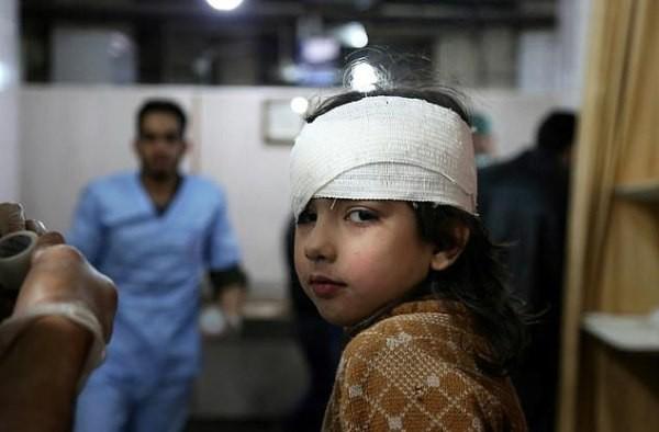 Thảm cảnh của những đứa trẻ tại thánh địa chết chóc Syria: Nỗi đau của các em vẫn chưa có hồi kết - Ảnh 14.