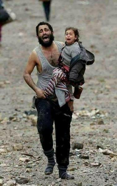Thảm cảnh của những đứa trẻ tại thánh địa chết chóc Syria: Nỗi đau của các em vẫn chưa có hồi kết - Ảnh 3.