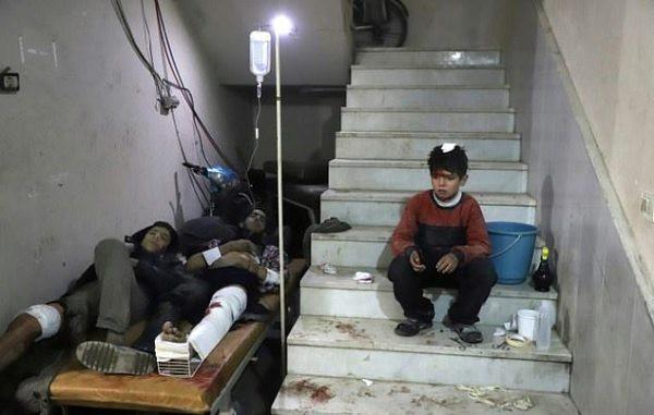 Thảm cảnh của những đứa trẻ tại thánh địa chết chóc Syria: Nỗi đau của các em vẫn chưa có hồi kết - Ảnh 11.