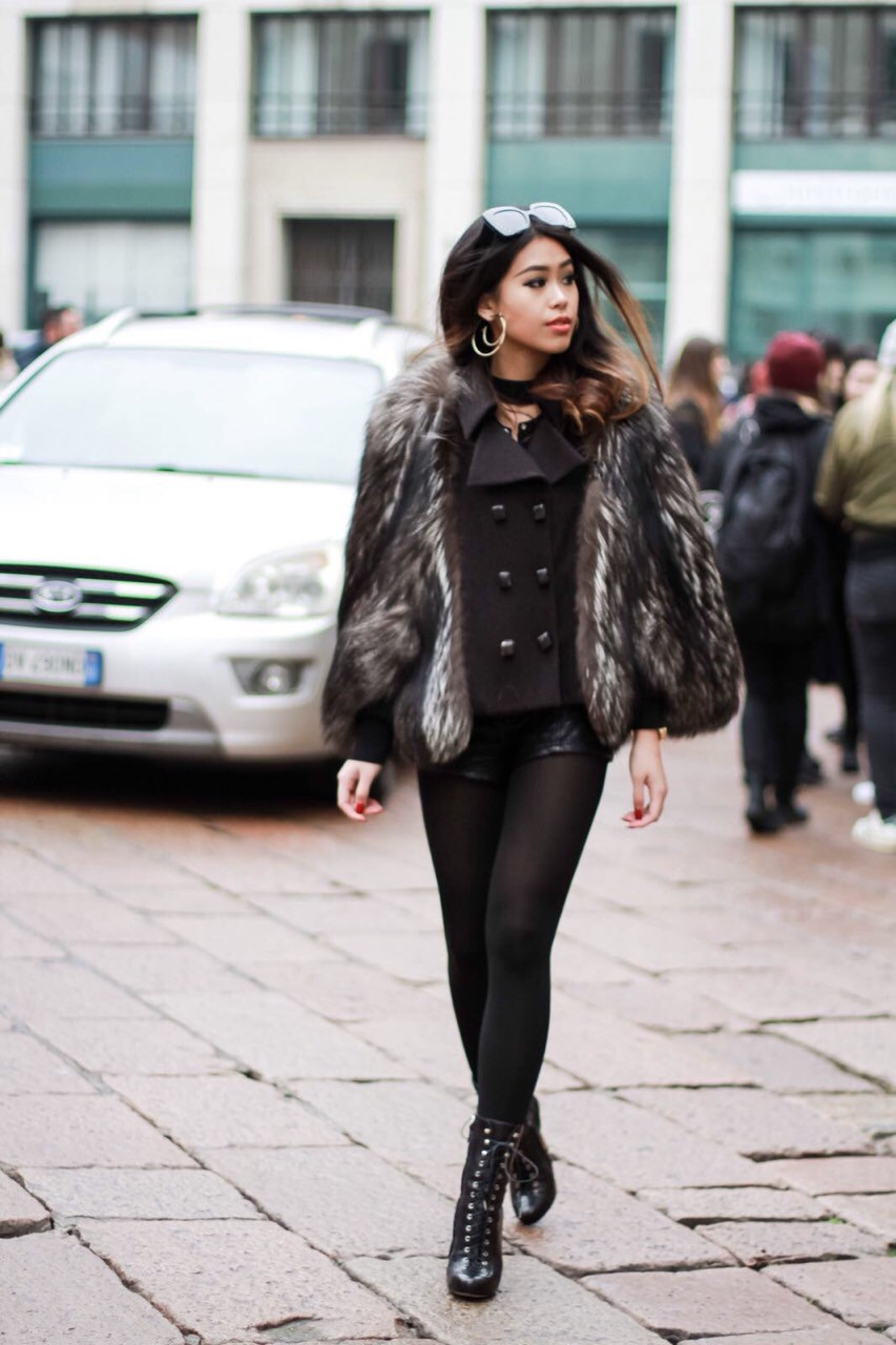 Mùa này nước ta làm gì có ai bay show ác liệt tại Milan Fashion Week hơn là Thảo Tiên - em chồng Hà Tăng - Ảnh 2.