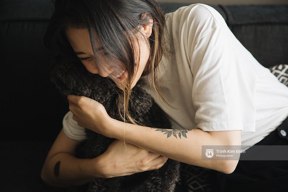 Julia Đoàn nói về chuyện làm mẹ khi còn trẻ, tự do và thành đạt: Từ nay mình chẳng cần đi đâu, chỉ cần ở cạnh con thì mình đã có cả thế giới rồi! - Ảnh 11.
