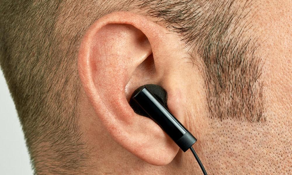 Quái vật mụn đầu đen mọc trong tai và hóa ra lý do lại là thói quen rất nhiều người mắc - Ảnh 1.