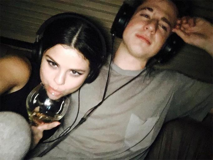 Charlie Puth: Thần đồng âm nhạc đẹp trai, hát hay nhưng toàn bị gái phũ và đưa vào friendzone - Ảnh 9.