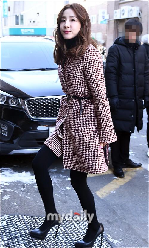 Dàn sao siêu sang chảnh dự đám cưới Taeyang: 2NE1 và WINNER như đi thảm đỏ, Black Pink đọ sắc người đẹp không tuổi - Ảnh 10.