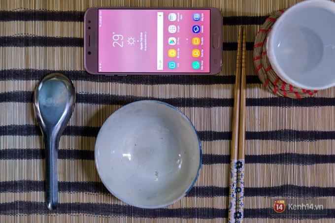 Trên tay Galaxy J7 Pro màu hồng nhẹ nhàng, nữ tính cho phái đẹp ngày xuân - Ảnh 8.