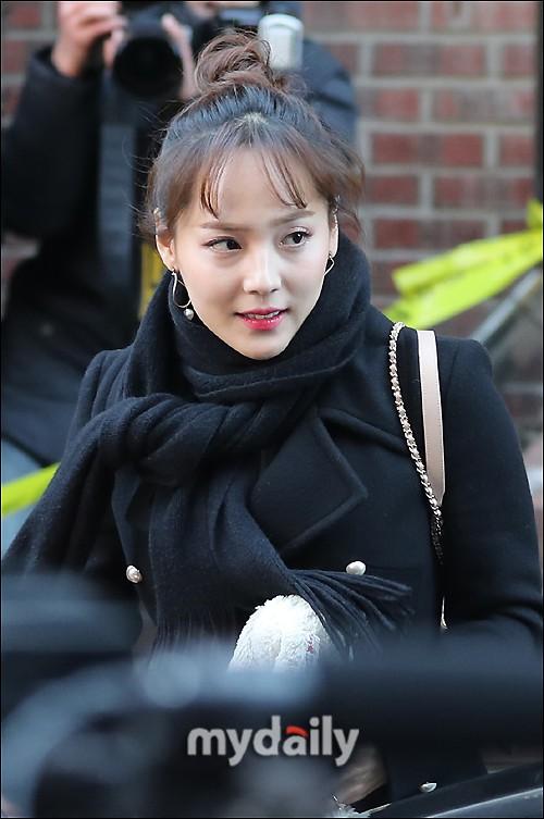 Dàn sao siêu sang chảnh dự đám cưới Taeyang: 2NE1 và WINNER như đi thảm đỏ, Black Pink đọ sắc người đẹp không tuổi - Ảnh 26.