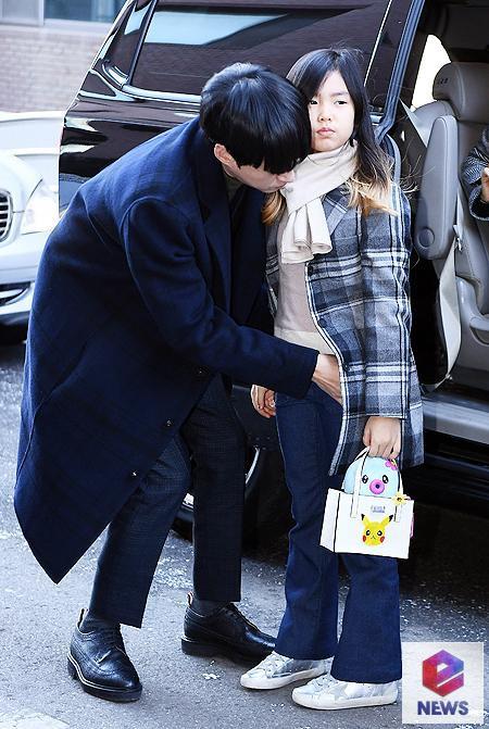 Dàn sao siêu sang chảnh dự đám cưới Taeyang: 2NE1 và WINNER như đi thảm đỏ, Black Pink đọ sắc người đẹp không tuổi - Ảnh 41.