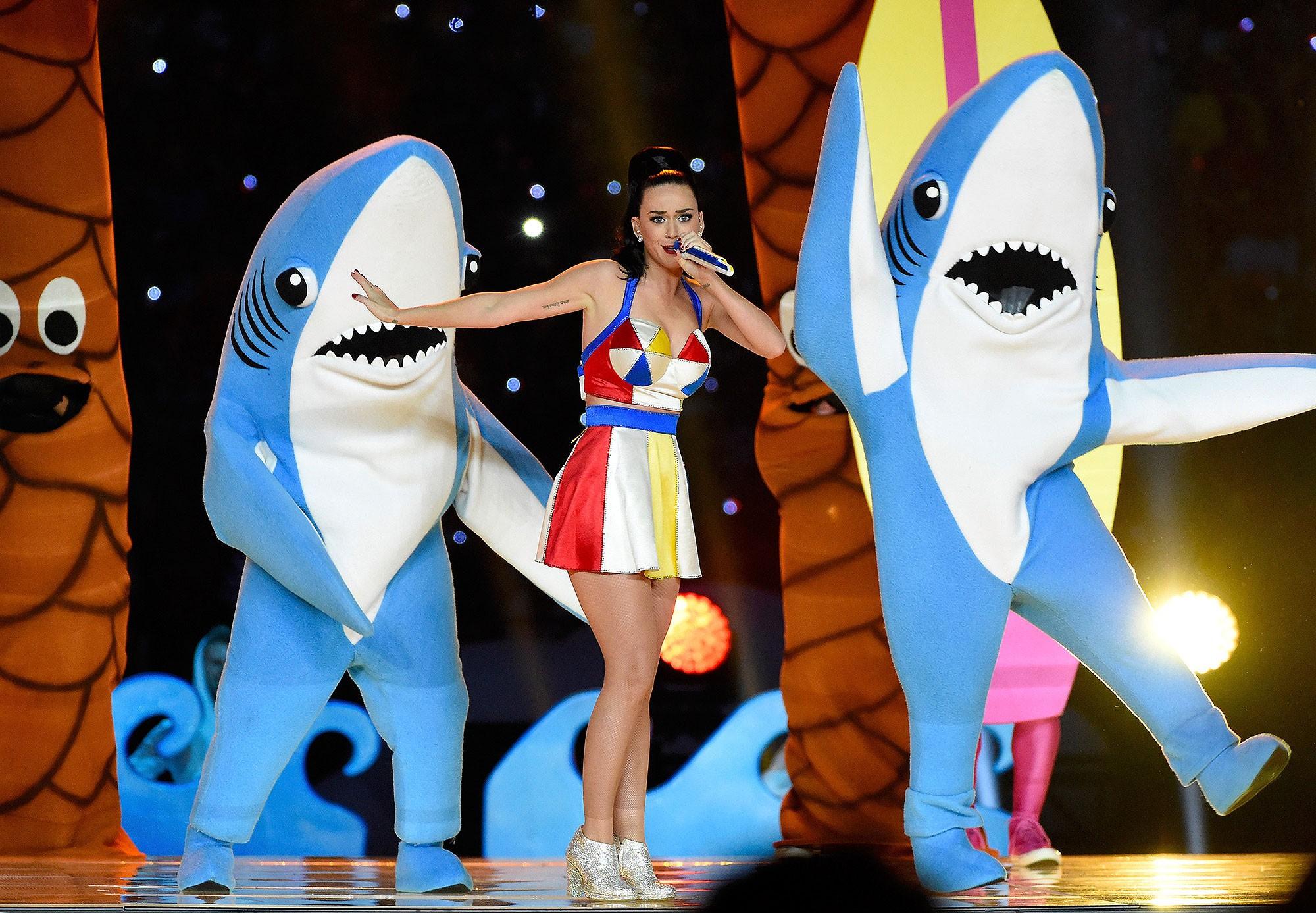 6 sân khấu biểu diễn giữa giờ lỗi nhất lịch sử Super Bowl - Ảnh 1.
