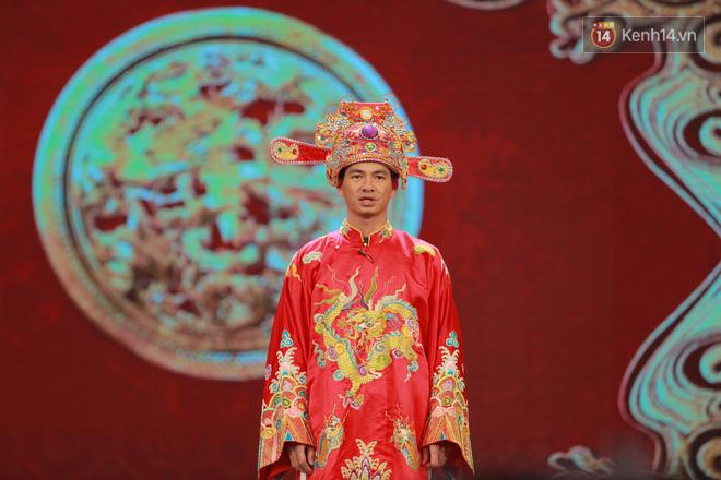 Chùm ảnh đẹp: Cận cảnh dàn nghệ sĩ trên sân khấu hoành tráng của Táo Quân 2018 - Ảnh 4.