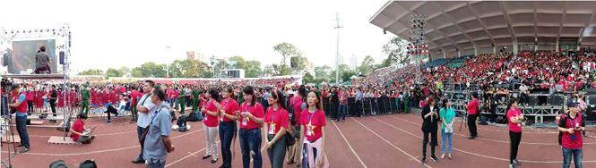 Những bóng hồng bùng cháy cùng cầu thủ U23 Việt Nam - Ảnh 7.
