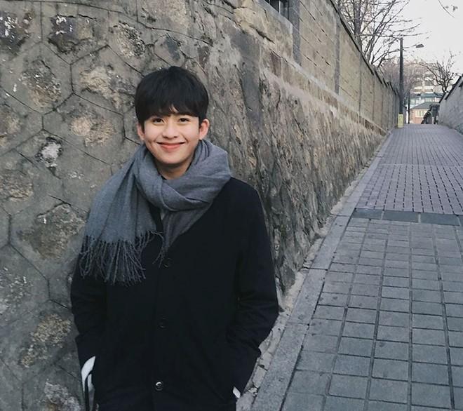 Chàng trai 9x lai Việt - Sing bỗng trở nên nổi tiếng chỉ với 1 tấm hình tốt nghiệp