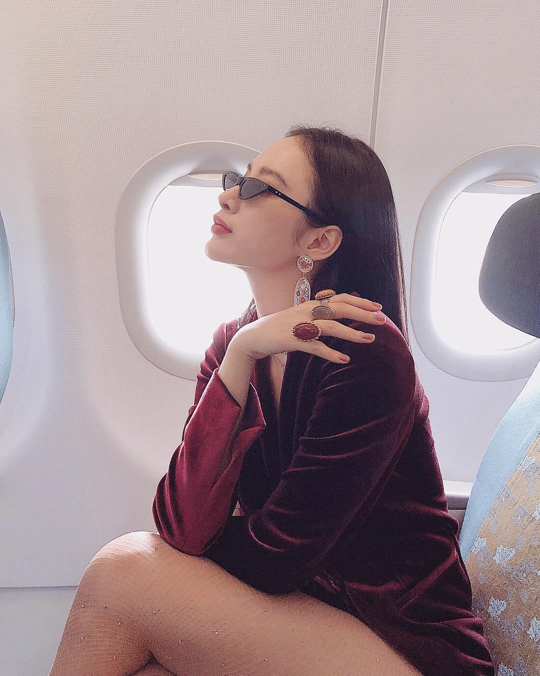 Kính mắt tin hin đang là mốt lớn vì nhiều fashion icon Việt đã tẩy chay hết kính bự để diện thứ kính tí hon này - Ảnh 4.