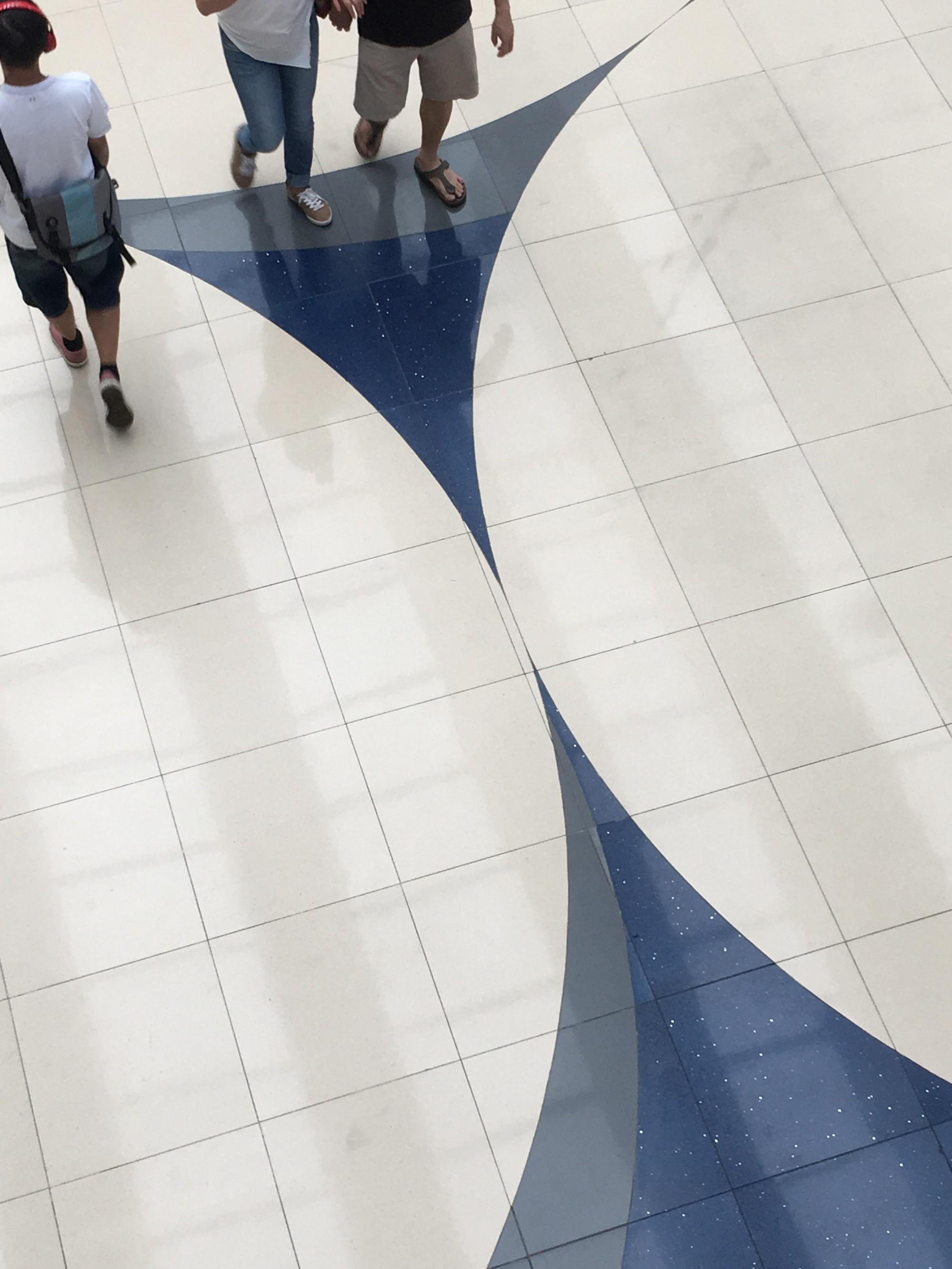15 sàn nhà bị lát ẩu lệch lạc khiến bạn hóa điên khi nhìn thấy - Ảnh 25.