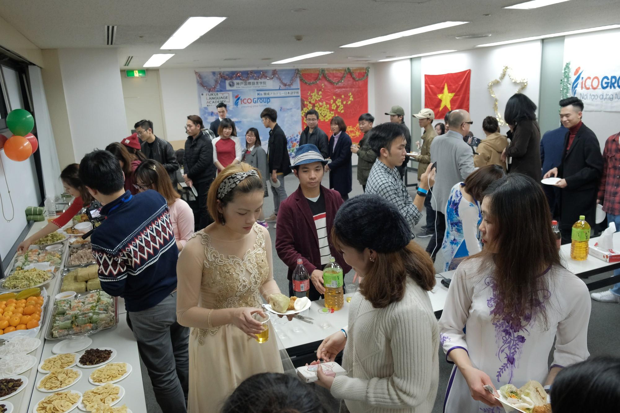 Ở nhà chưa thấy Tết đâu nhưng DHS Việt ở Nhật đã đón Tết rất hoành tráng rồi - Ảnh 8.
