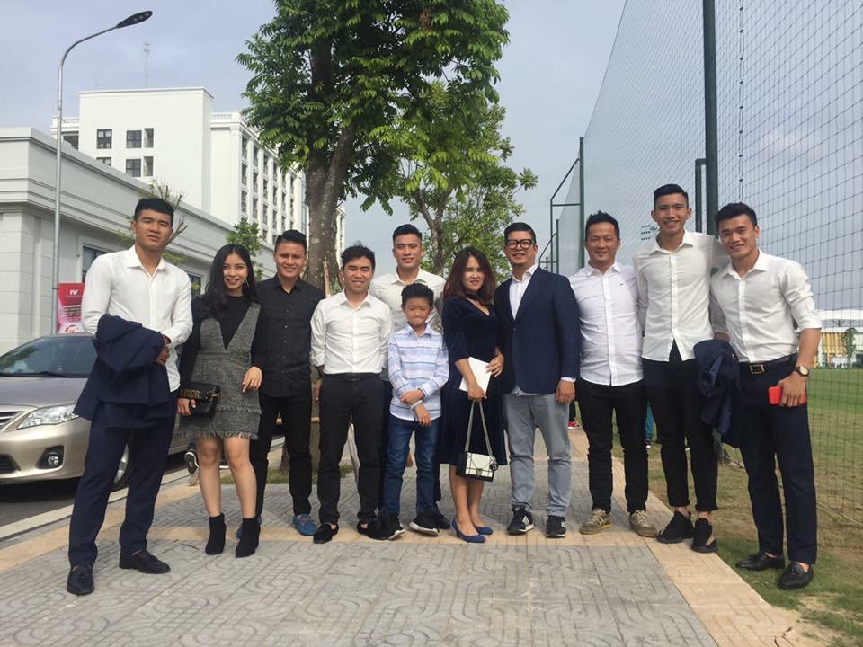 Duy Mạnh mê Gucci, Tiến Dụng - Văn Hậu cuồng Yeezy, U23 Việt Nam cũng chịu khó đầu tư giày ra phết - Ảnh 4.