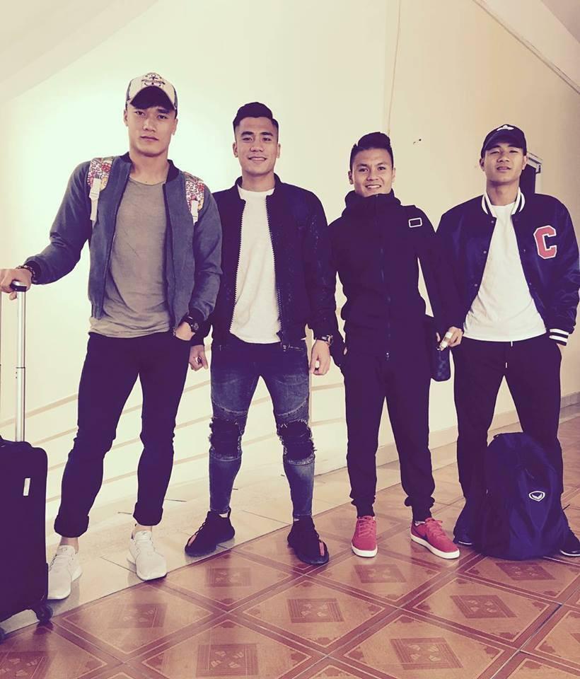 Duy Mạnh mê Gucci, Tiến Dụng - Văn Hậu cuồng Yeezy, U23 Việt Nam cũng chịu khó đầu tư giày ra phết - Ảnh 6.