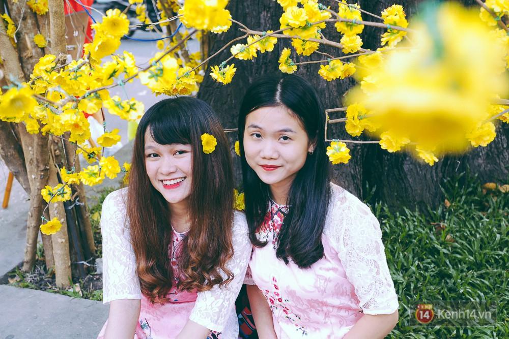 Nhiều người kiếm tiền triệu mỗi ngày nhờ cho thuê áo dài Tết chụp hình tại phố ông đồ Sài Gòn - Ảnh 9.