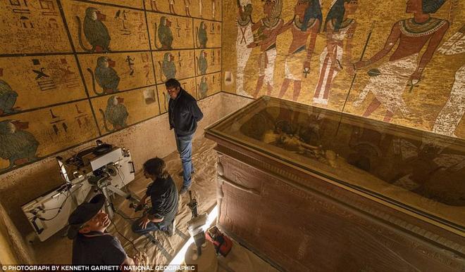 Quét radar lăng mộ Pharaoh Tutankhamun, hé lộ bí mật về nữ hoàng Nefertiti - Ảnh 1.