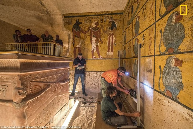 Quét radar lăng mộ Pharaoh Tutankhamun, hé lộ bí mật về nữ hoàng Nefertiti - Ảnh 2.