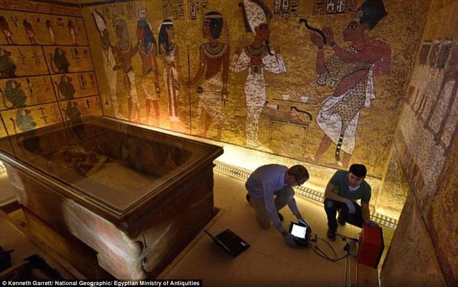 Quét radar lăng mộ Pharaoh Tutankhamun, hé lộ bí mật về nữ hoàng Nefertiti - Ảnh 3.