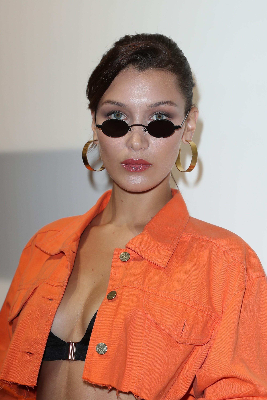Kính mắt tin hin đang là mốt lớn vì nhiều fashion icon Việt đã tẩy chay hết kính bự để diện thứ kính tí hon này - Ảnh 10.
