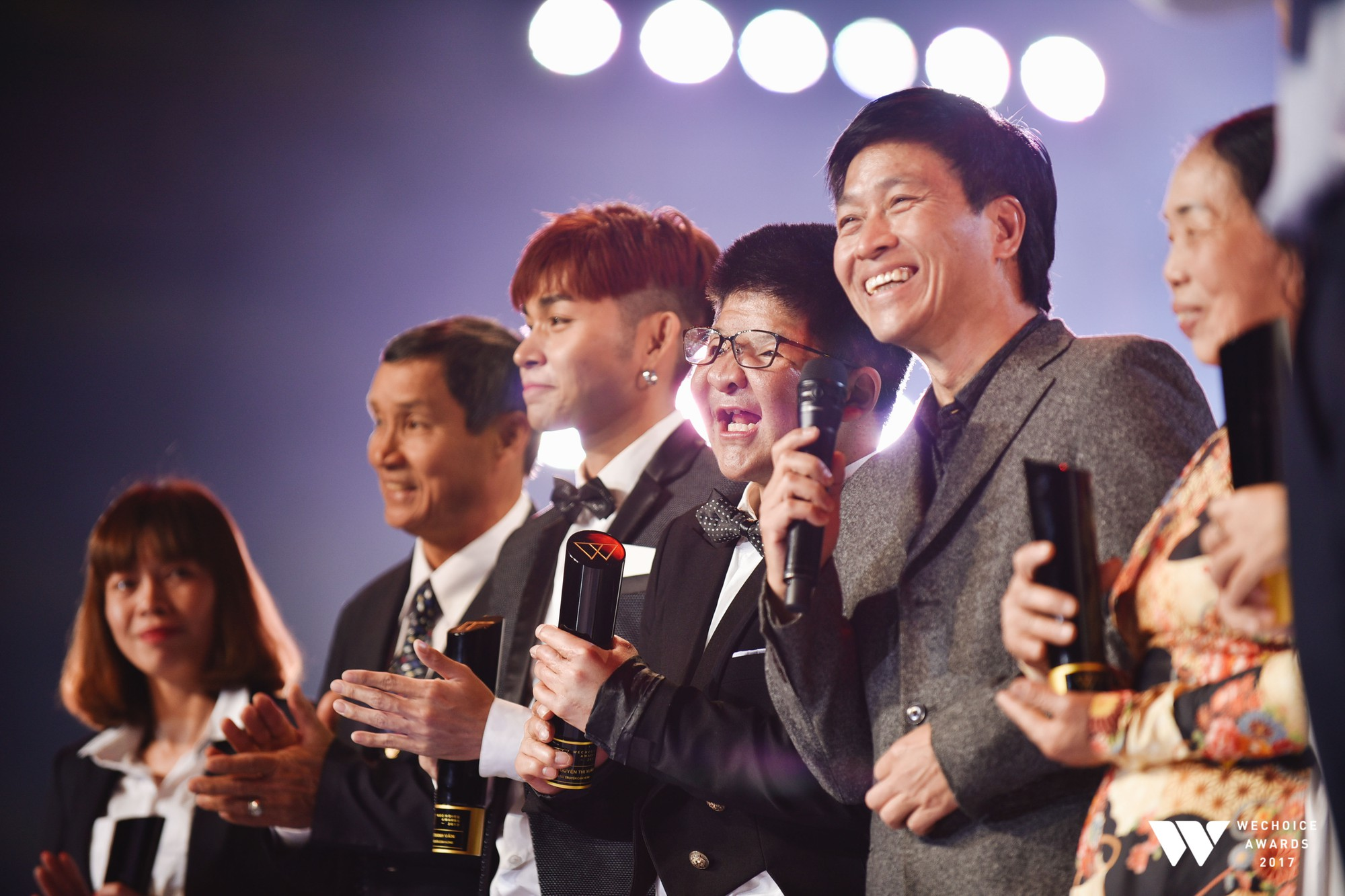 Khoảnh khắc WeChoice Awards: Đẹp nhất là khi Sơn Tùng, bé Bôm và các nghệ sĩ Việt cùng chậm lại trong dòng cảm xúc vỡ òa - Ảnh 36.