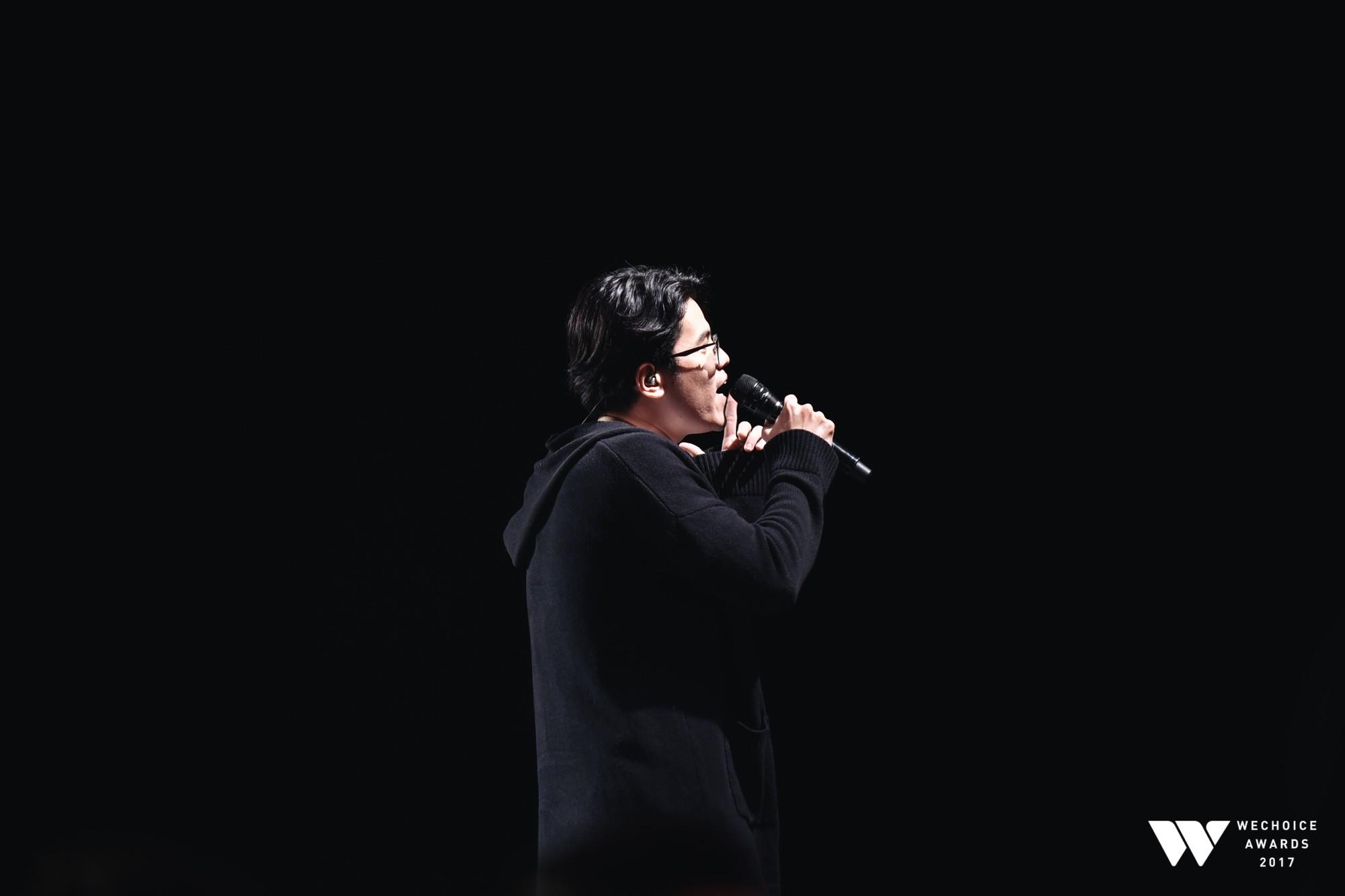 Khoảnh khắc WeChoice Awards: Đẹp nhất là khi Sơn Tùng, bé Bôm và các nghệ sĩ Việt cùng chậm lại trong dòng cảm xúc vỡ òa - Ảnh 45.
