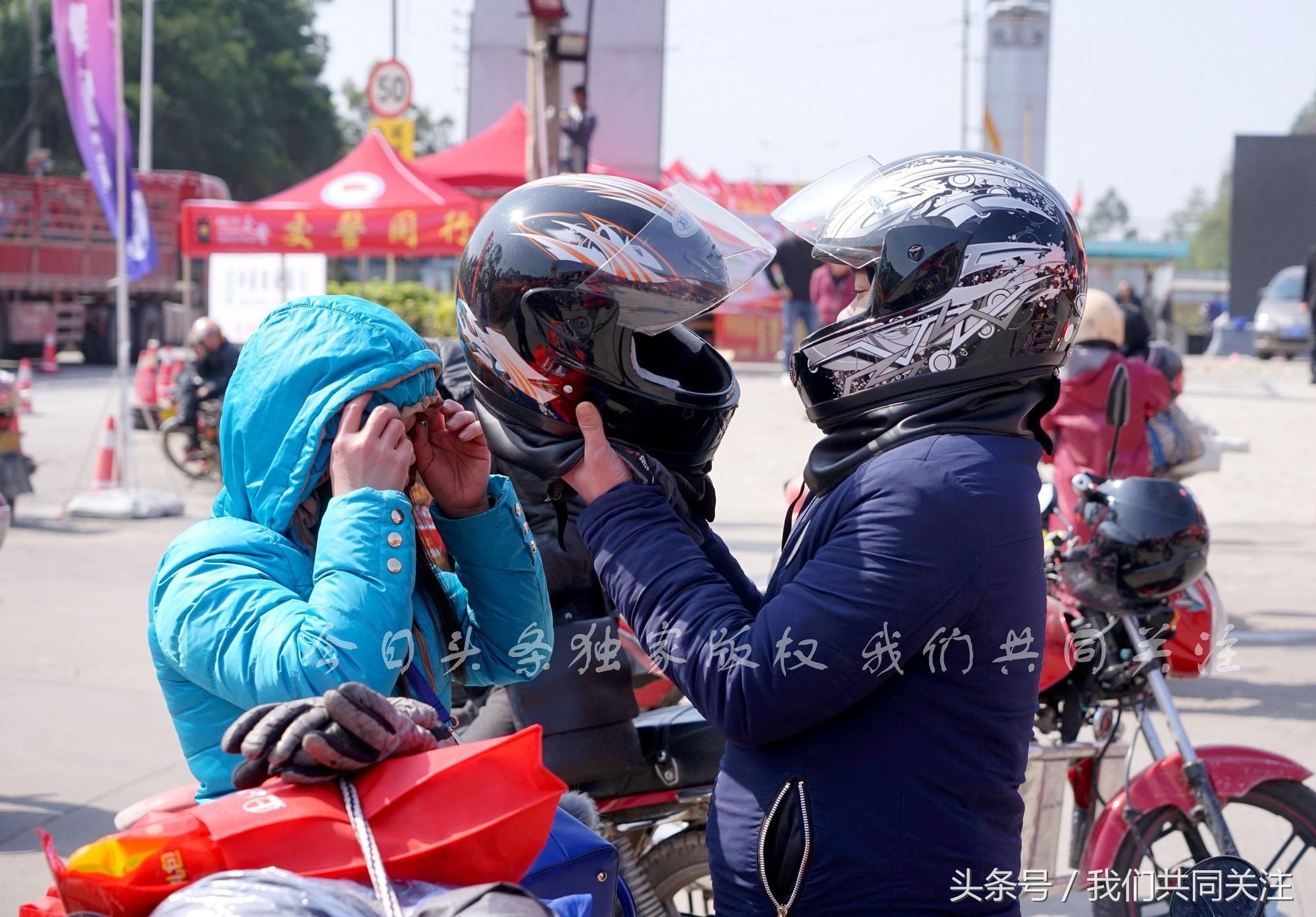 Ngán ngẩm cảnh đông đúc tại nhà xe bến tàu, hàng chục nghìn người Trung Quốc phượt trăm km về quê ăn Tết - Ảnh 6.
