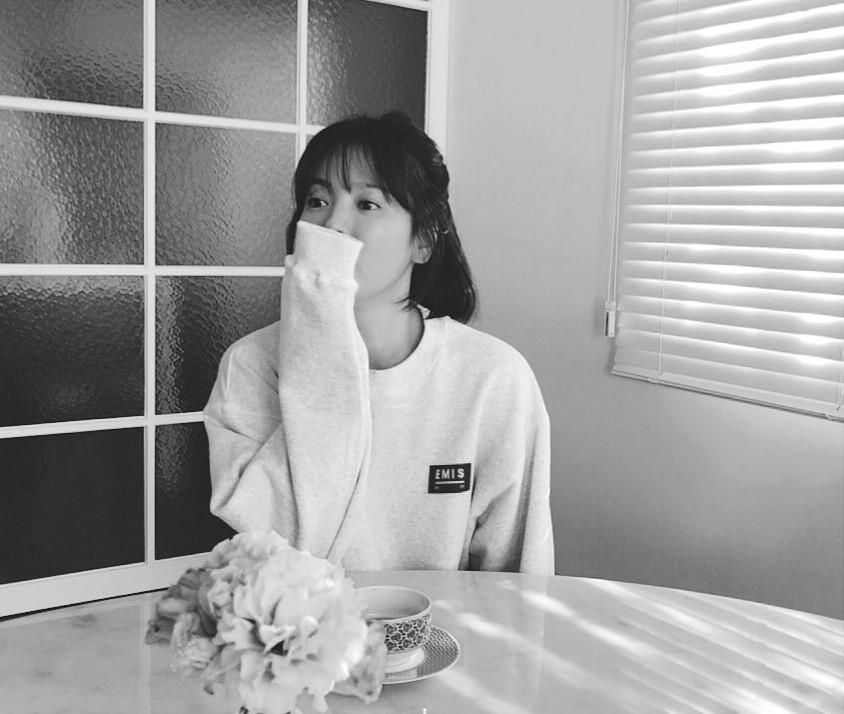 Lộ ảnh mặt mộc hiếm hoi của vợ chồng Song Song sau đám cưới 3 tháng