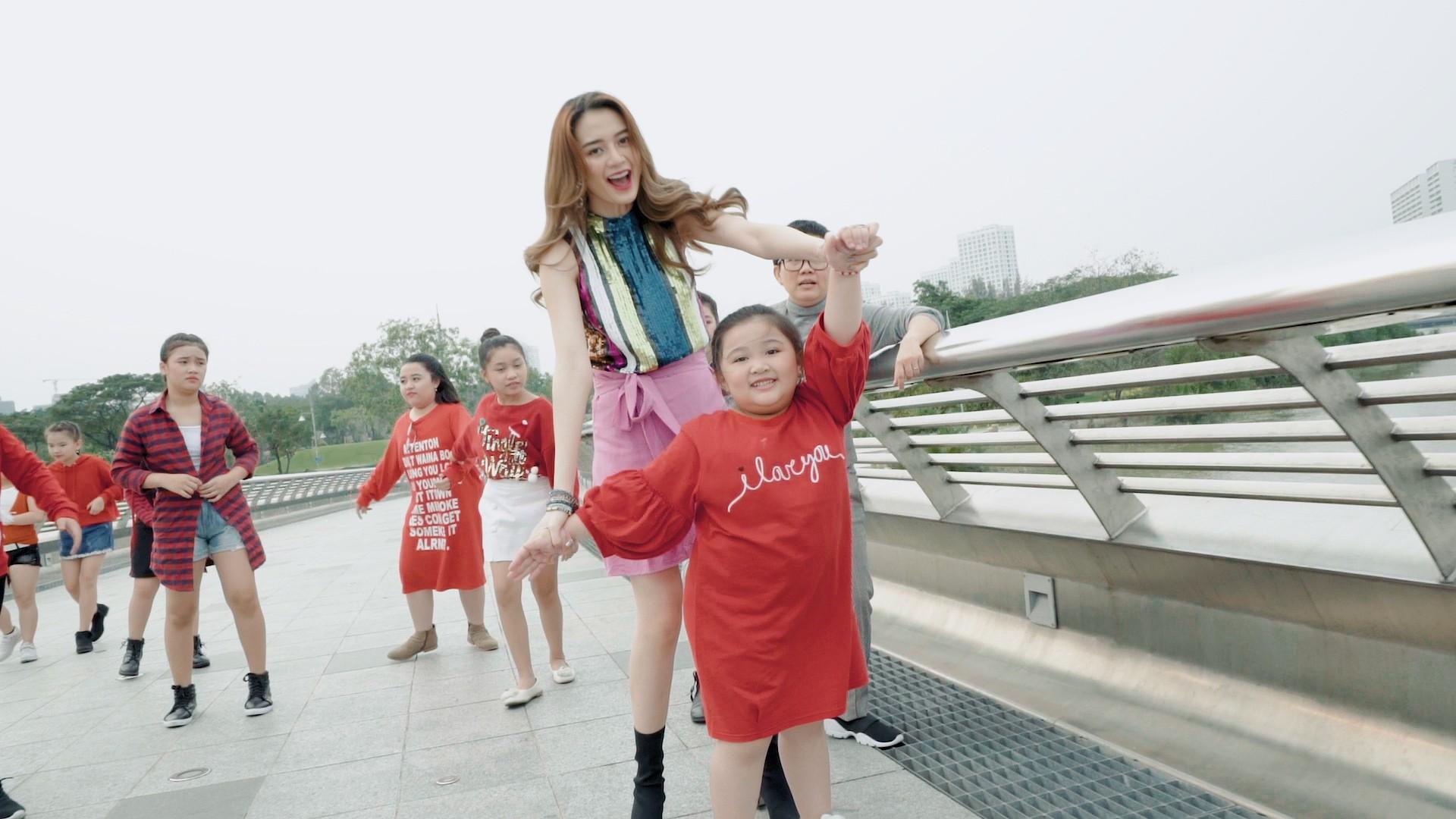 Phương Uyên, Thiều Bảo Trang, Vũ Thảo My quậy hết cỡ cùng trò nhí trong MV mang thông điệp tích cực về cuộc sống - Ảnh 4.