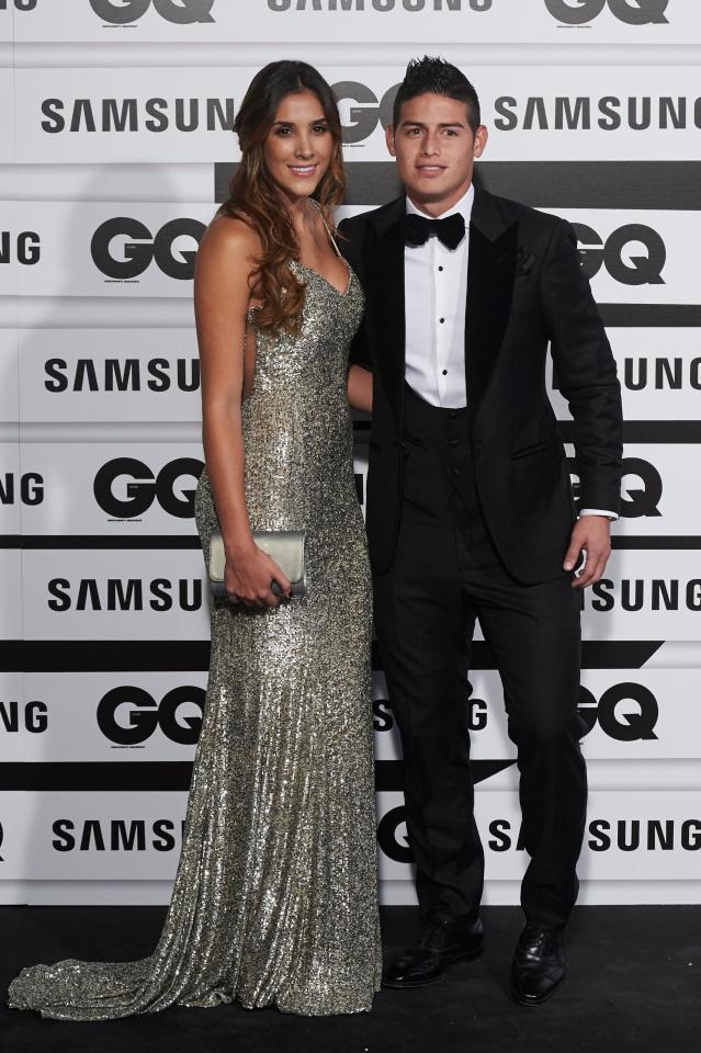 Sau ly hôn, vợ trai đẹp James Rodriguez rất chăm khoe đường cong hút mắt - Ảnh 6.
