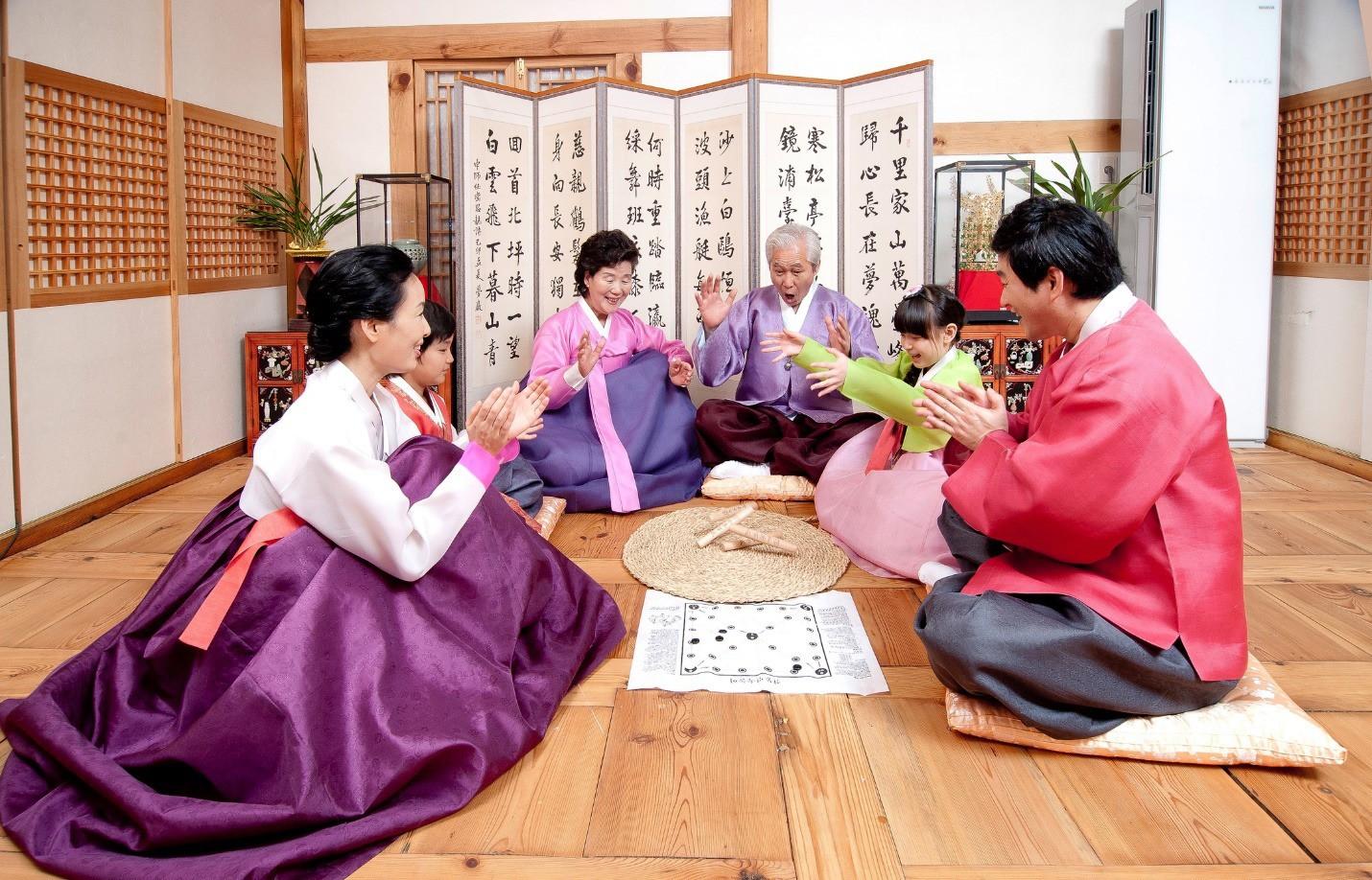 8 điều thú vị về ngày Tết ở Hàn Quốc: Điều thứ 3 cũng giống với văn hóa truyền thống Việt Nam - Ảnh 1.
