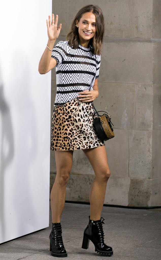 Đâu chỉ Selena Gomez, cả loạt tín đồ thời trang thế giới cũng đang mê đắm mẫu túi đắt đỏ này - Ảnh 14.
